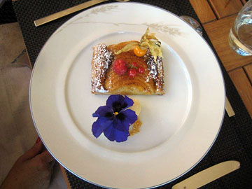 Dessert at La Bastide de Gordes hotel