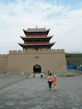 Western entrance to the Great Wall